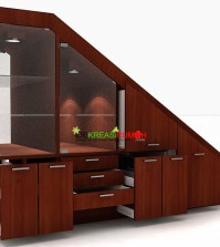 memanfaatkan-bawah-tangga-dengan-furniture-lemari-idekreasirumahcom-1
