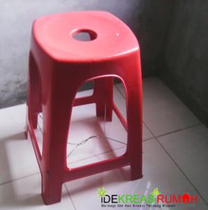 Menguatkan kursi plastik