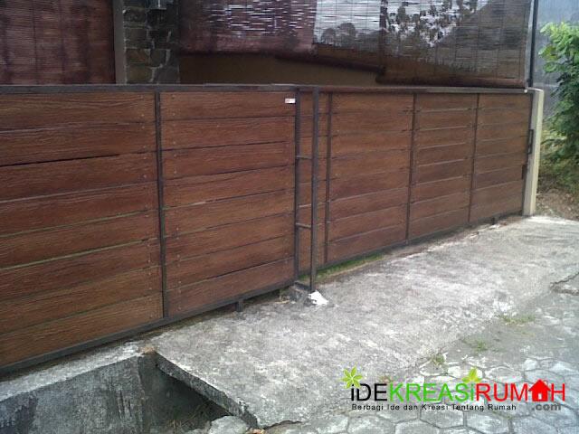 desain pagar minimalis murah dengan fiber teksture kayu