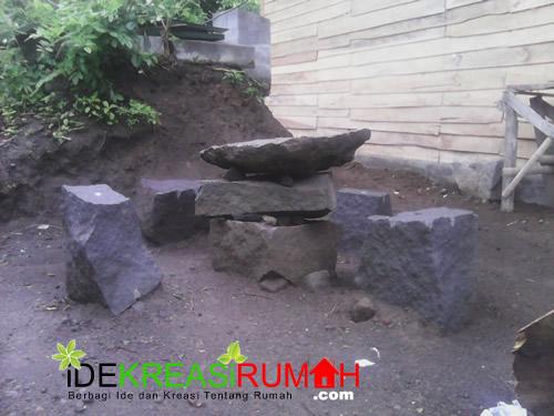 Kursi dan Meja Taman dari Sisa Batu Kali