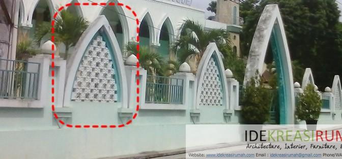 Roster di Pagar Masjid