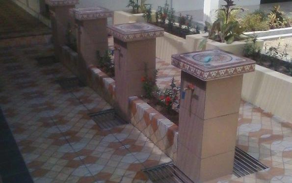 Tempat Wudhu Masjid Unik dengan Taman